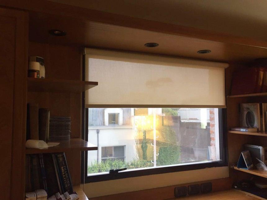Cortina Roller Screen 1% color beige