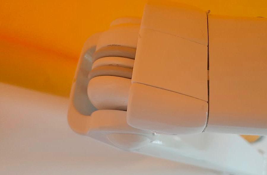 brazo invisible italiano detalle