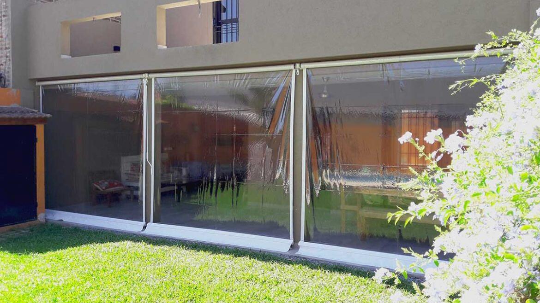 Toldos Verticales en PVC Transparente, vista lateral