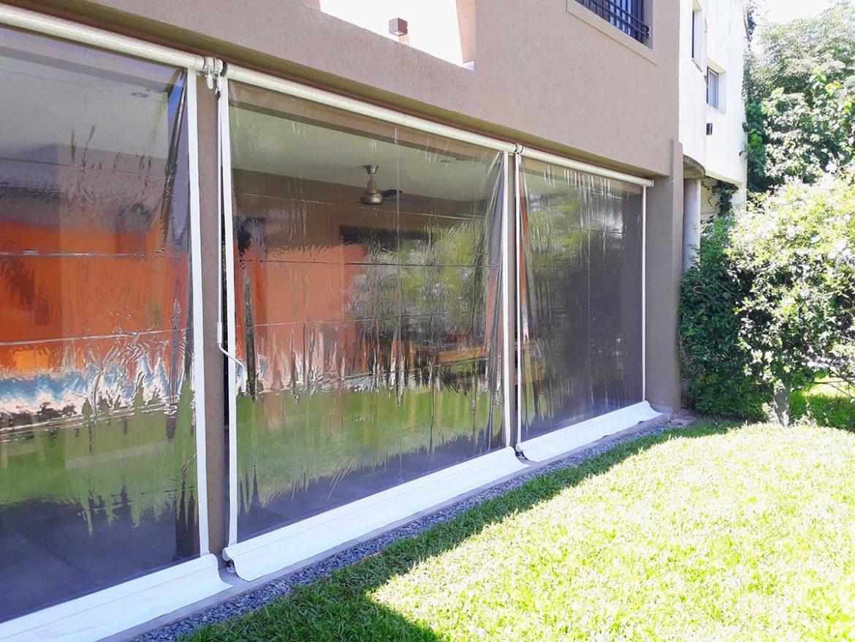 Toldos Verticales en PVC Transparente