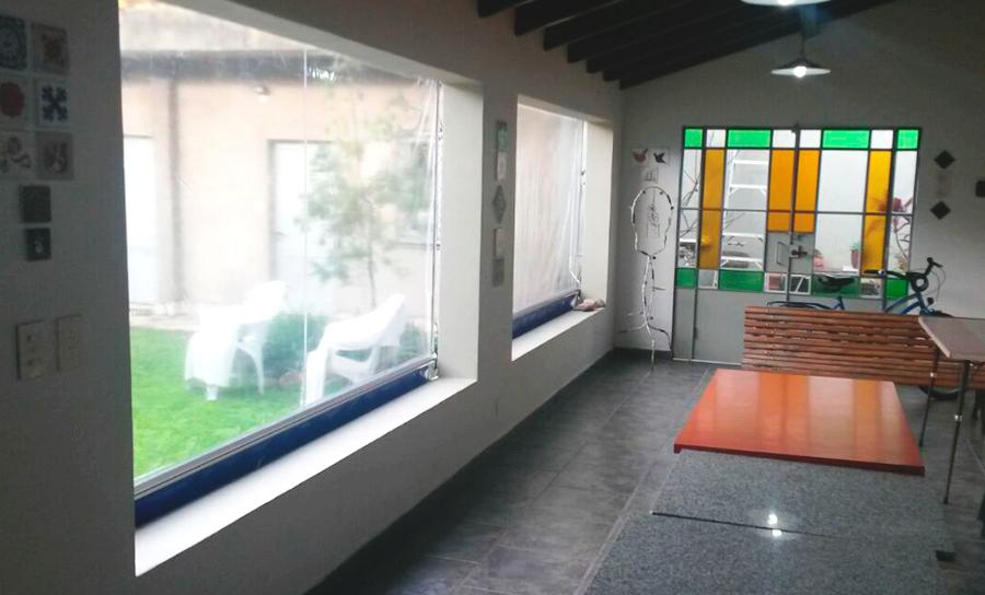 Toldo Vertical PVC Transparente Enrollable Colegiales