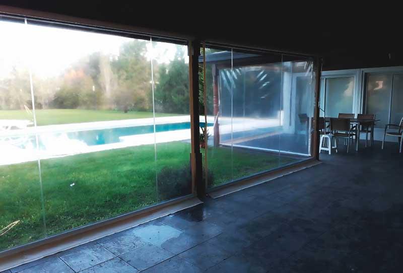 toldo enrollable pvc cristal interior frio lluvia viento invierno