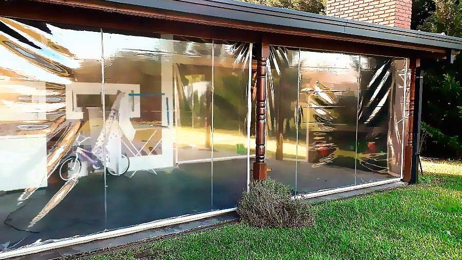 Toldo Enrollable PVC Cristal para Galería en el barrio Haras del Sur