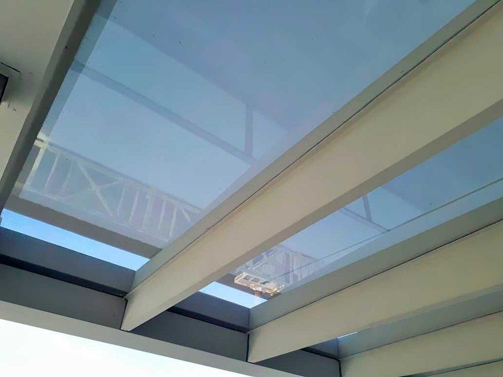 toldo techo cristal vidriado traslucido cerramiento tigre vista inferior lona sunworker galería