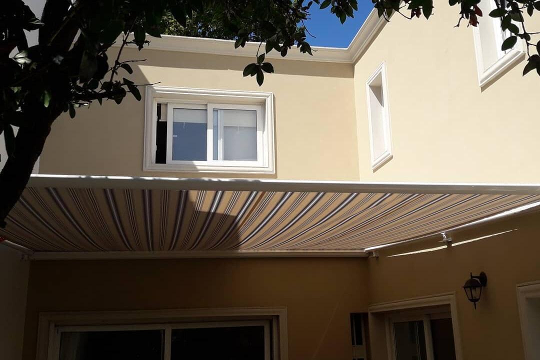 Toldo de techo para Galería en Devoto