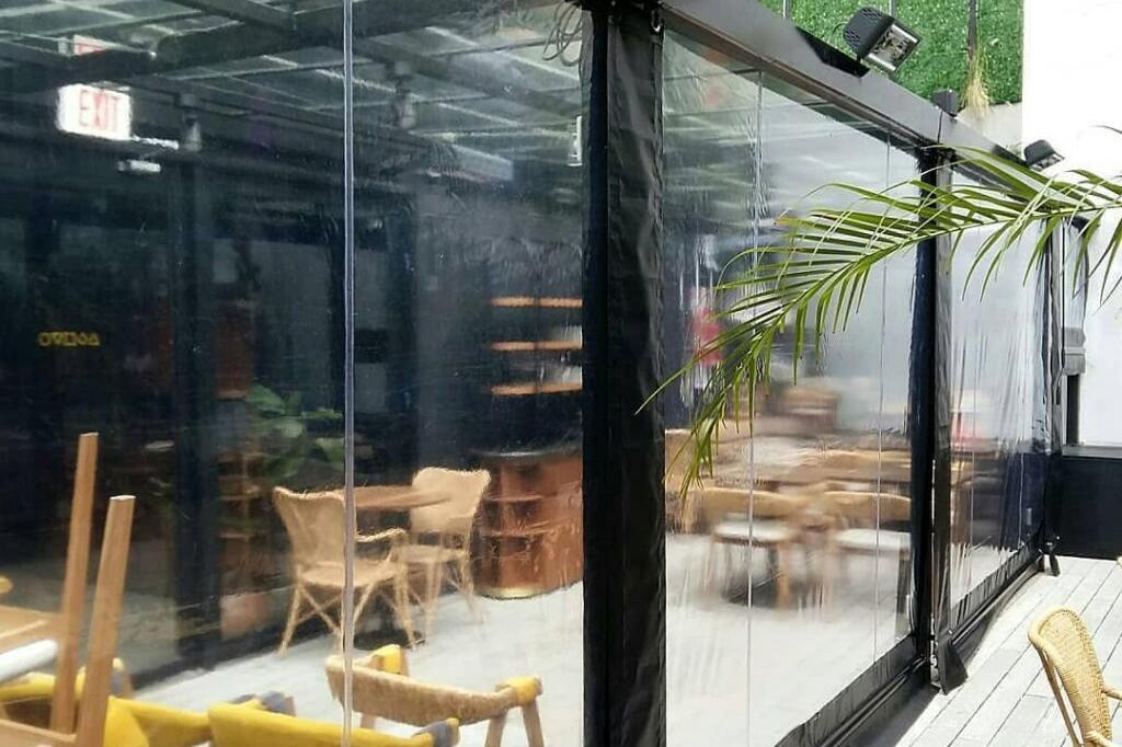 Cerramiento Toldo Trasparente PVC - Restaurant Sacro